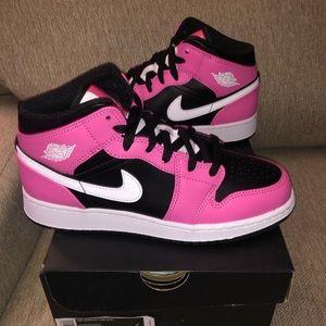 Air Jordan 1 Mid Pinksicle
